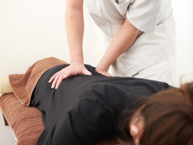 ぎっくり腰を解消するための施術